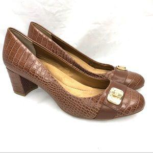 Giani Bernini Memory foam women's size 11 heels